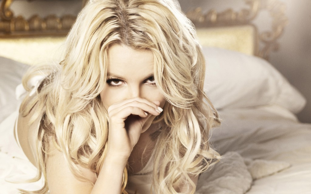 britney-spears-hot-wide-mintor-15